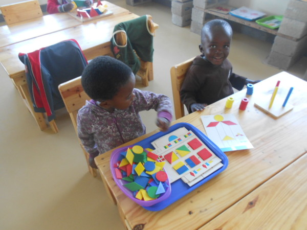 Sibabalwe and Sandise exploring colours