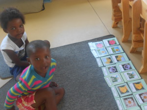Nomaindiya and Elihle with their Flower Cards